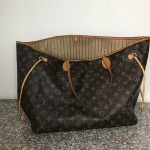 Louis Vuitton Large never full monogram tote bag